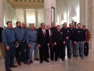 governor with union workers 2.12.14